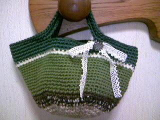 グリーンのミニマルシェバッグ